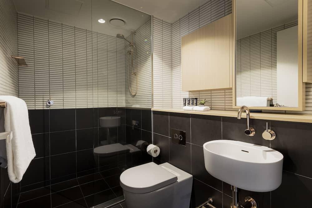 Studio King Apartment - Bathroom