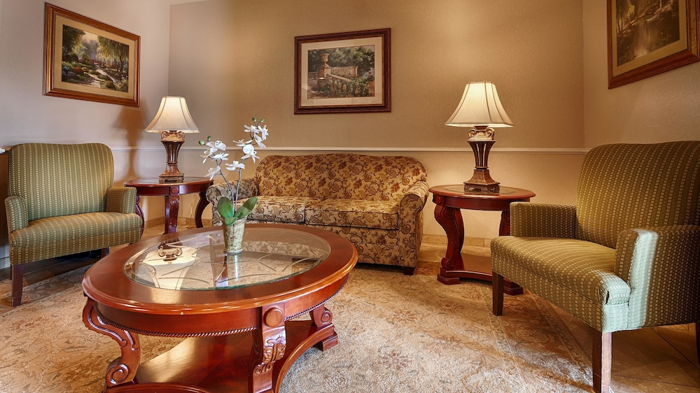 Best Western Palo Duro Canyon Inn Suites Lobby Sitting Area