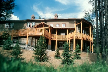 Picture of HI-Banff Alpine Centre in Banff