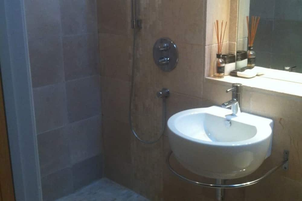Standard Double Room, Ensuite - Bathroom