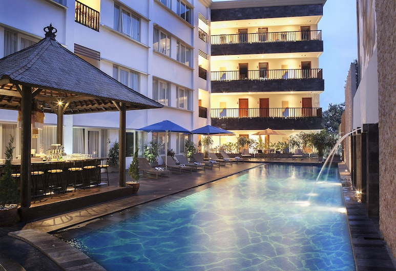 Natya Hotel, Kuta, Poolside Bar