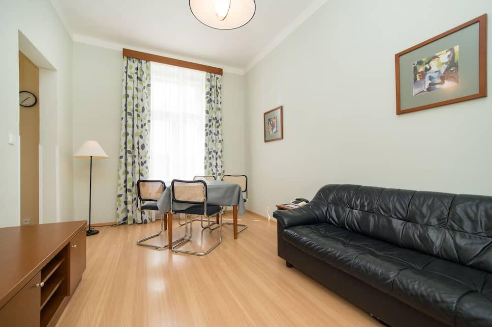 דירה משפחתית, חדר שינה אחד, מטבח - אזור מגורים