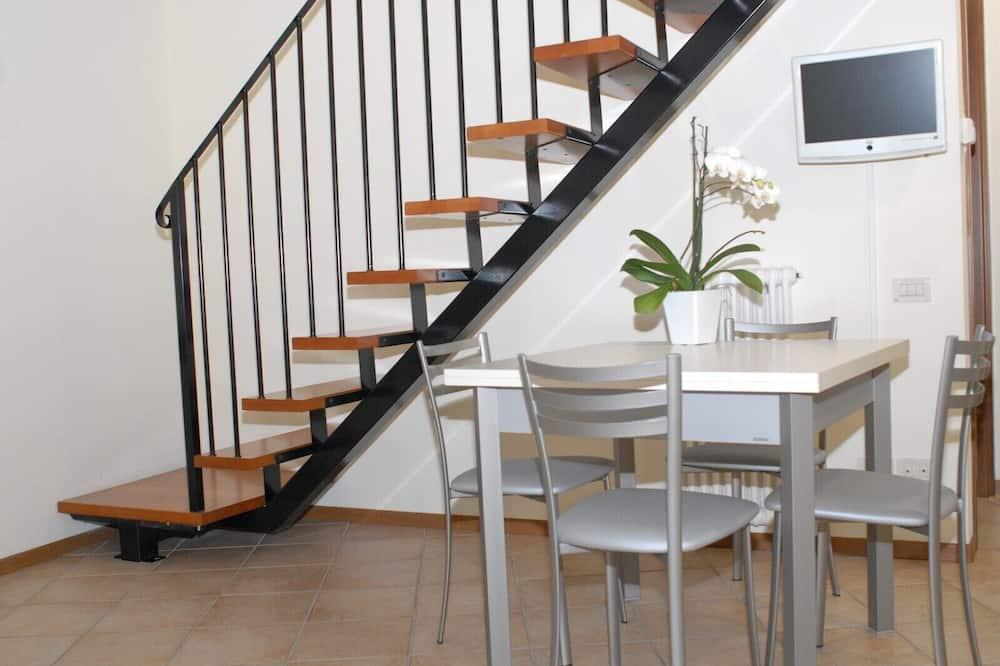Apartment, Mezzanine (5) - In-Room Dining