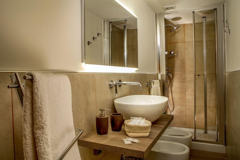 ファミリー アパートメント 2 ベッドルーム キッチン - バスルーム
