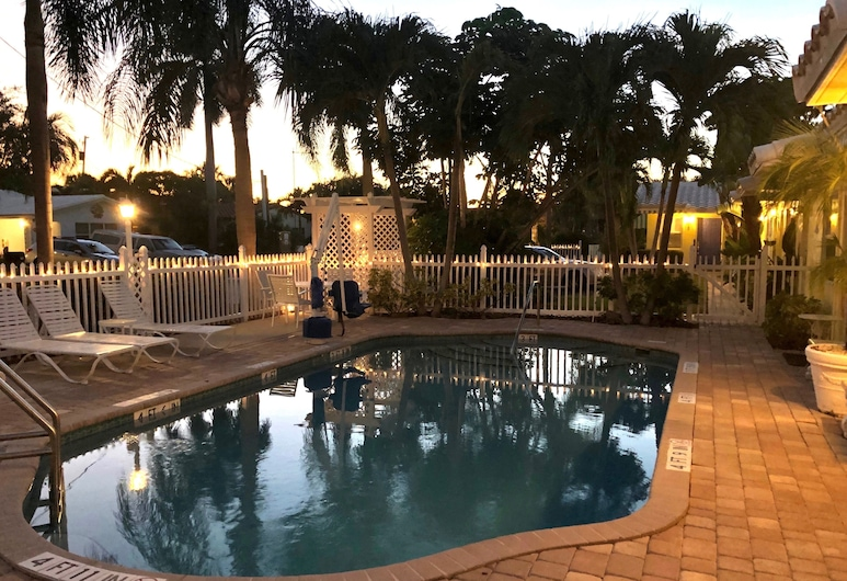 Bahama Beach Club, Pompano Beach, Exterior