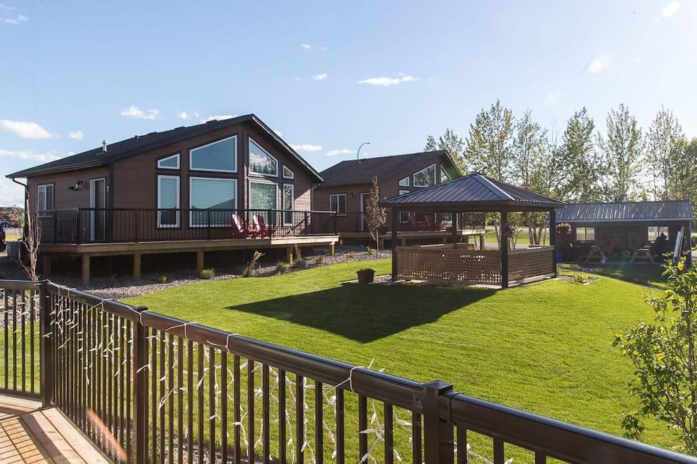 Signature Cabin, 2 Bedrooms, Kitchen, Garden View - Balcony