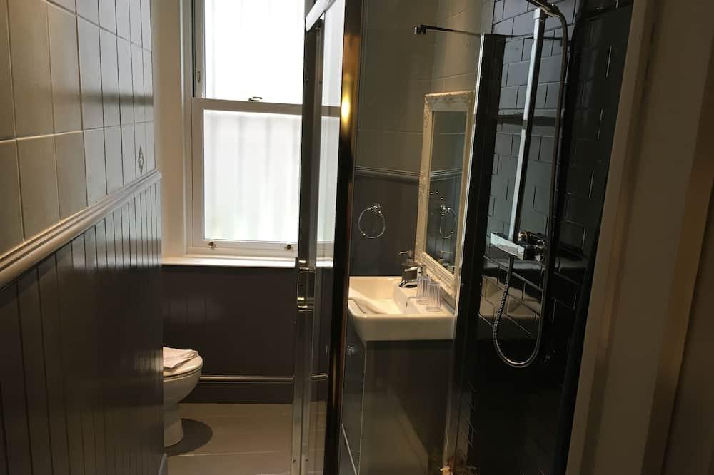 Izba typu Superior, 1 extra veľké dvojlôžko, vlastná kúpeľňa, výhľad na záhradu - Kúpeľňa