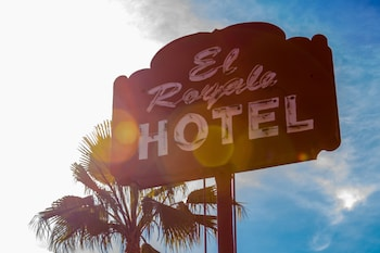 Picture of El Royale Hotel Near Universal Studios Hollywood in Studio City