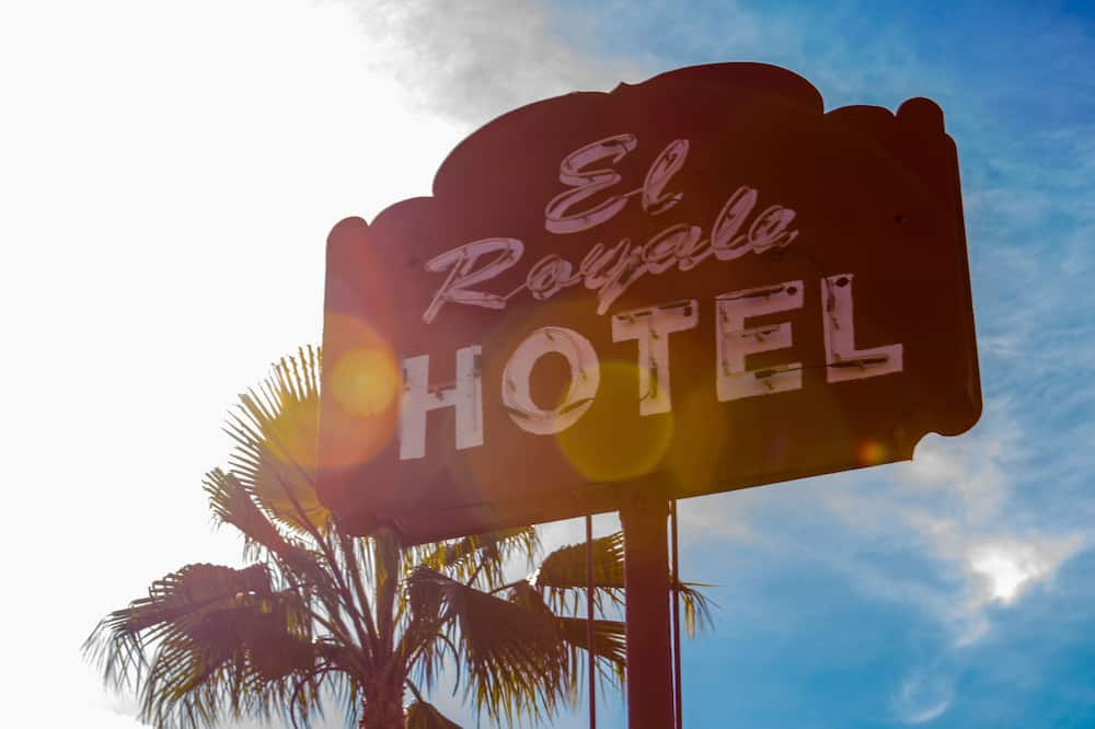 El Royale Hotel Near Universal Studios Hollywood, Studio City