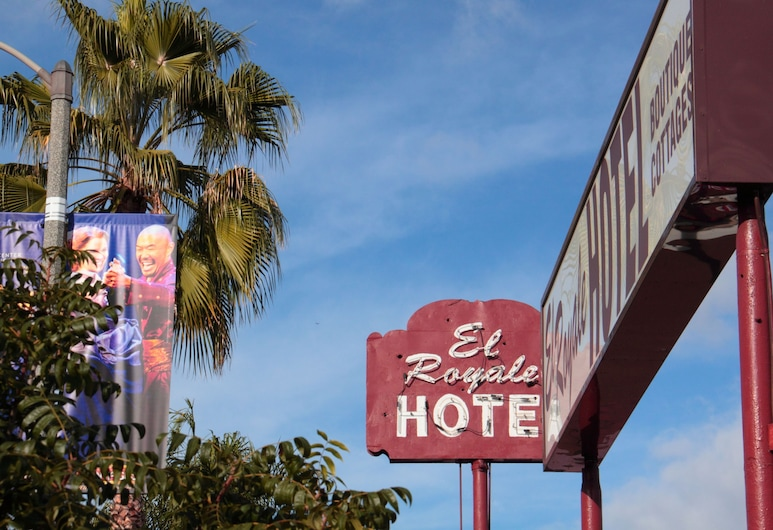 El Royale Hotel Near Universal Studios Hollywood, Studio City, Blick vom Hotel