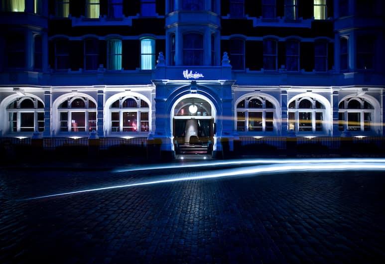 Malmaison London, London, Fassaad õhtul/öösel