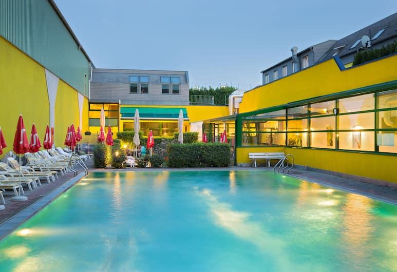 Vienna Sporthotel, Wenen, Buitenzwembad