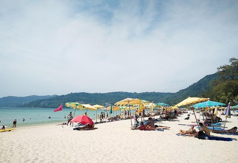 回旋鏢客棧, 巴東, 海灘