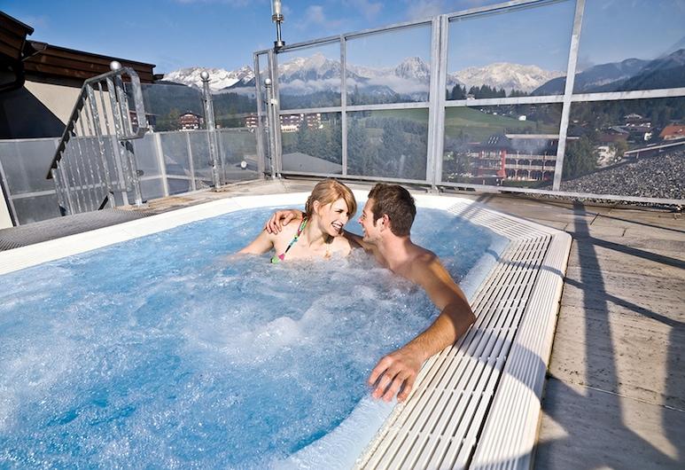 Das Kaltschmid, Seefeld in Tirol, Pool auf dem Dach