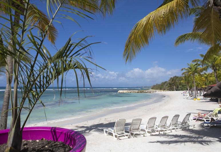 Pierre & Vacances Residence Premium Les Tamarins, Sainte-Anne, Playa