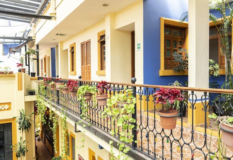 Casa VilaSanta - Hostel, Guadalajara, Balcón