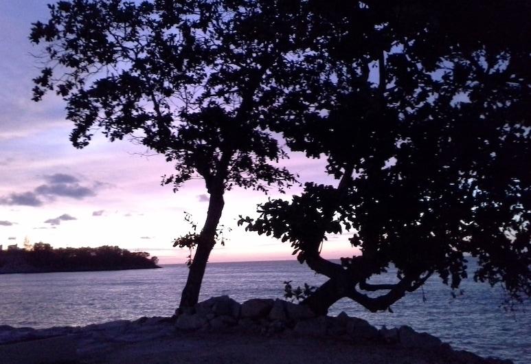 Baan Talay Homestay by the Beach, George Town, Plaj