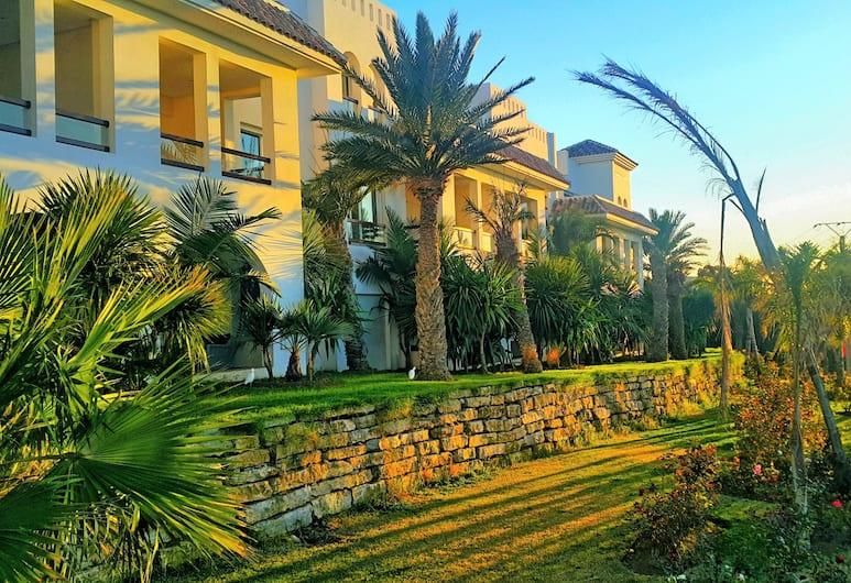 Mnar Castle Apartments, Tangier, Trädgård