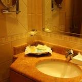 Habitación Deluxe con 2 camas individuales, 1 habitación - Lavabo en el baño