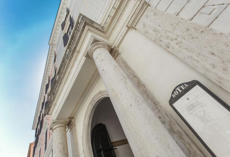 Hotel Fontanella Borghese, Roma, Fachada del hotel