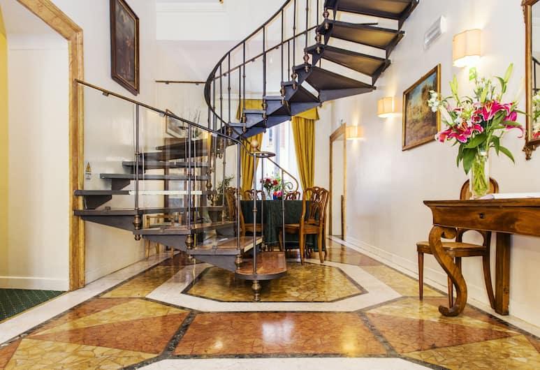 Hotel Fontanella Borghese, Rom, Treppe