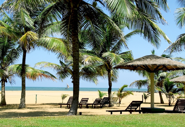 Goldi Sands Hotel, Negombo, Beach