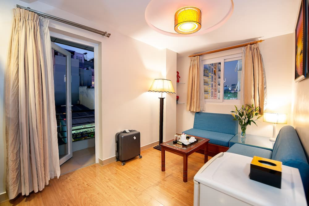 Family Suite, City View - Balcony View