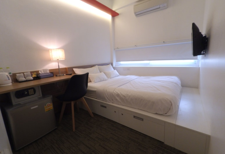 HQ hostel Silom, Bangkok, Superior Double Room, Guest Room