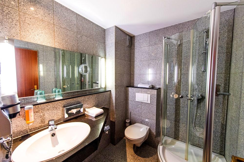 Standard szoba, erkély - Fürdőszoba