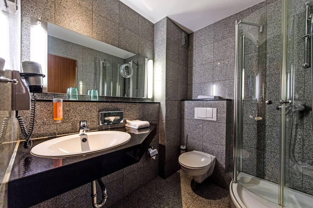 Standard szoba, erkély (Castle View) - Fürdőszoba