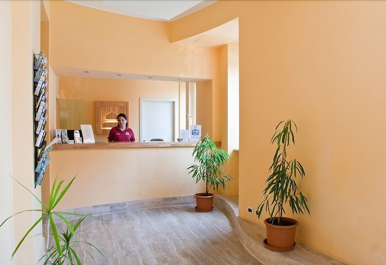Roma Scout Center - Hostel, Rome, Interior Entrance