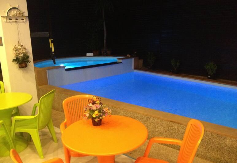 더 실크 힐 호텔, 파통, 야외 수영장