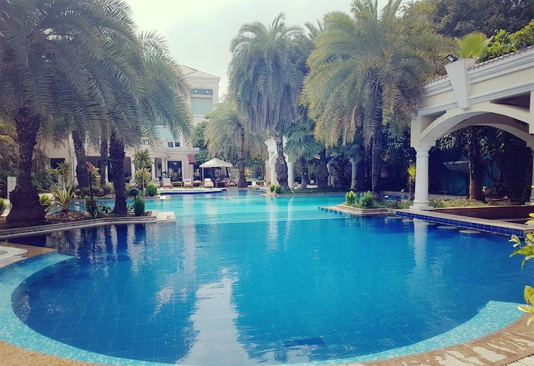 The Palms - Town & Country Club, Gurugram