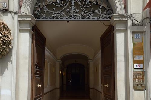 羅馬照片民宿/