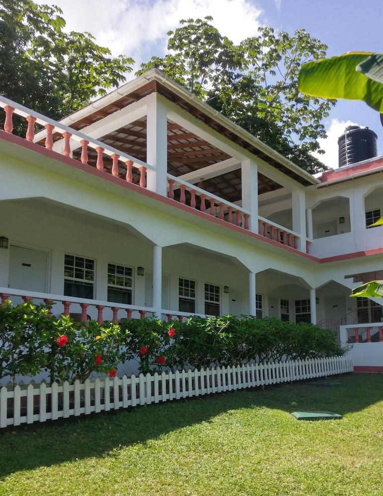 Polish Princess Guest House Port Antonio