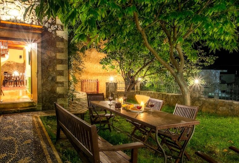 Ifigenia Luxury Suites and Villas, Chania, Lux Villa Ifigenia ,in Theriso Village 14 km, Terrace/Patio