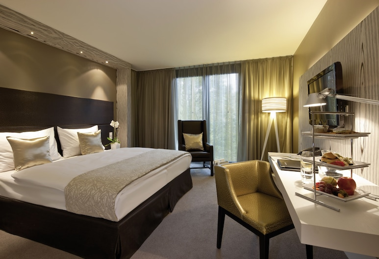Radisson Blu Park Royal Palace Vienna, Viin, Superior Guest Room, Tuba