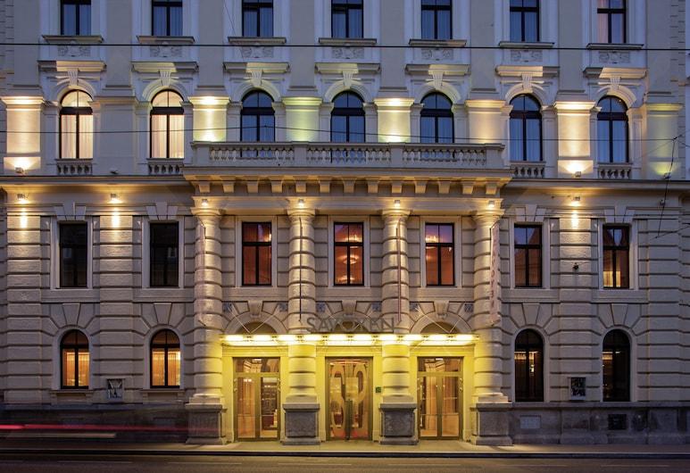 Austria Trend Hotel Savoyen Vienna, Viena, Fachada do hotel (à noite)