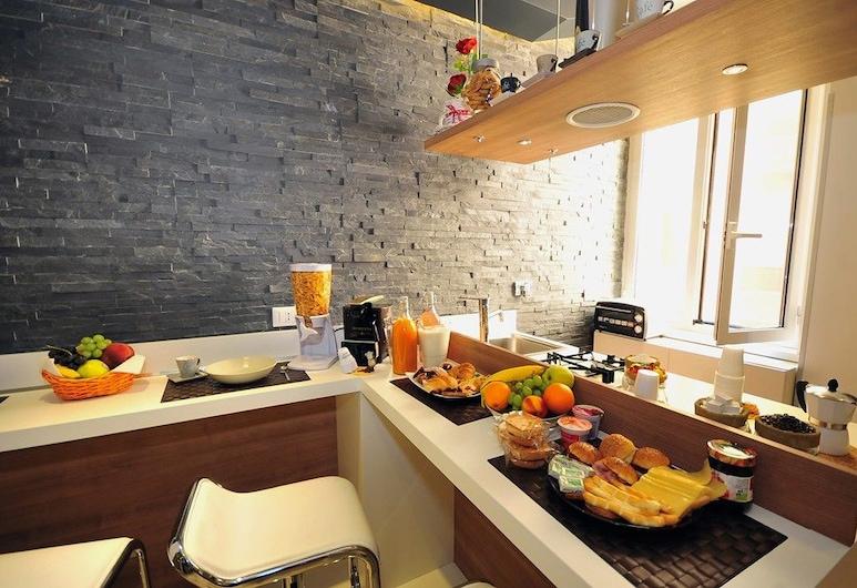 B&B Living, Rome, Double Room Single Use, Living Area