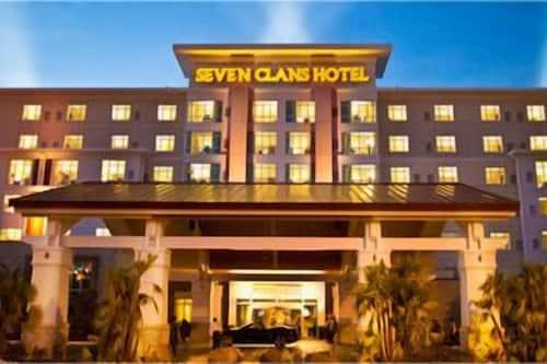 Seven Clans Hotel In Kinder Hotels Com