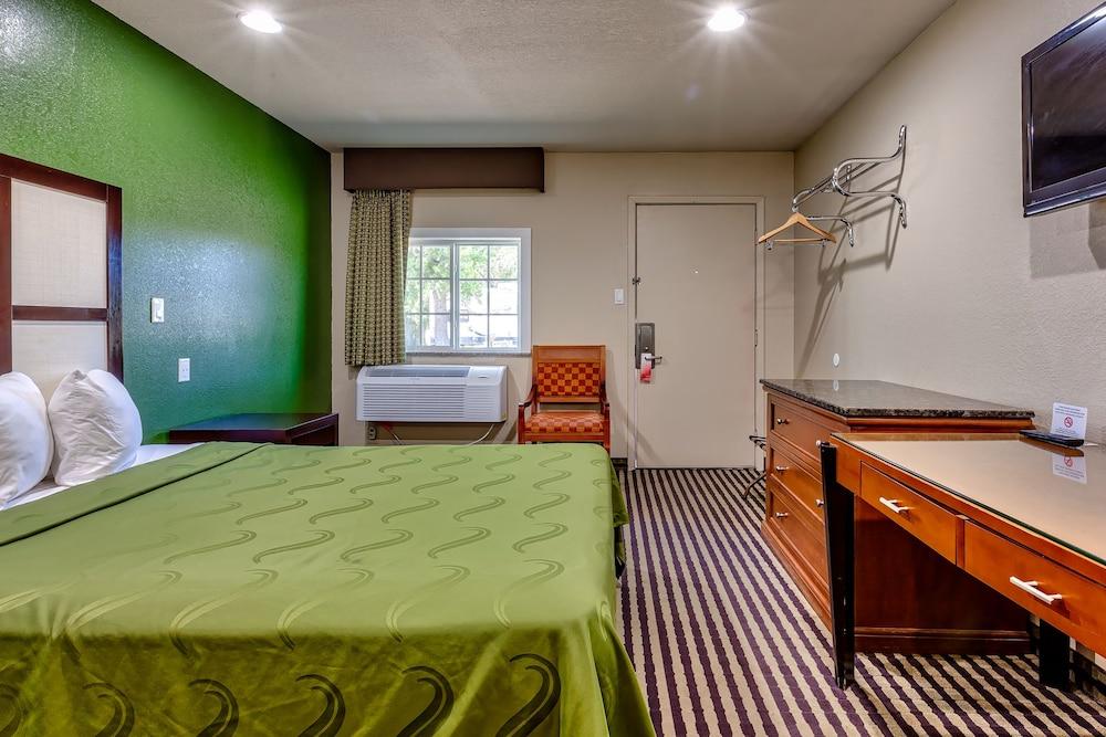 Book Fort Davis Inn & R.V. Park in Fort Davis | Hotels.com