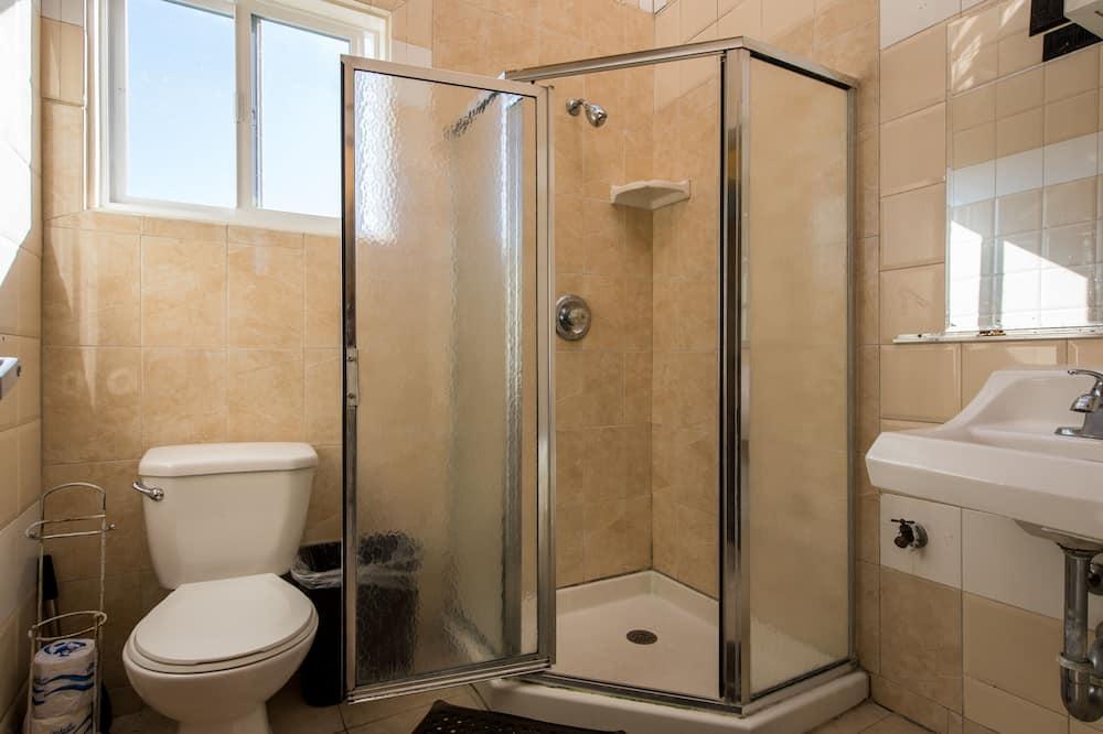 Yhteismajoitus, Sekamajoitus (4-Bed) - Kylpyhuone