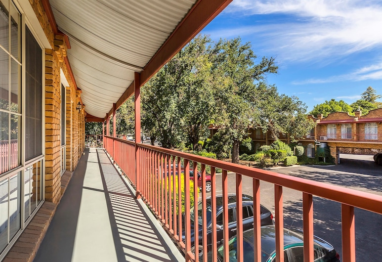 Best Western Cathedral Motor Inn, Bendigo, Hotel Front