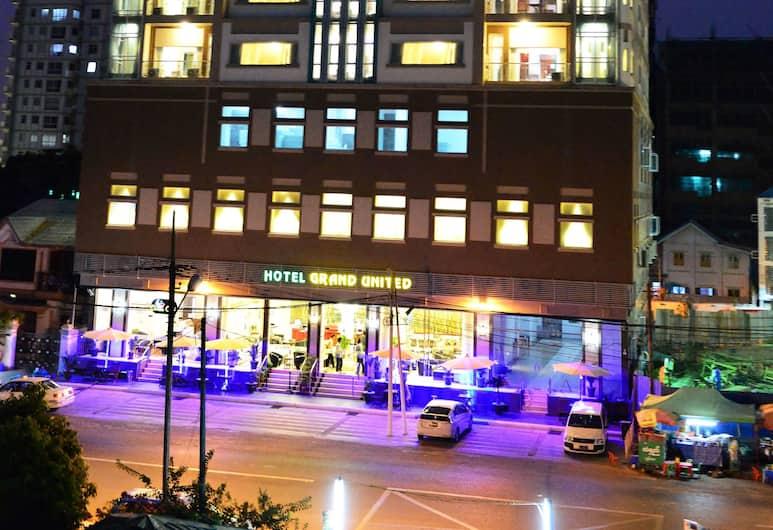 Hotel Grand United (Ahlone Branch), Yangon, Hotel Front – Evening/Night