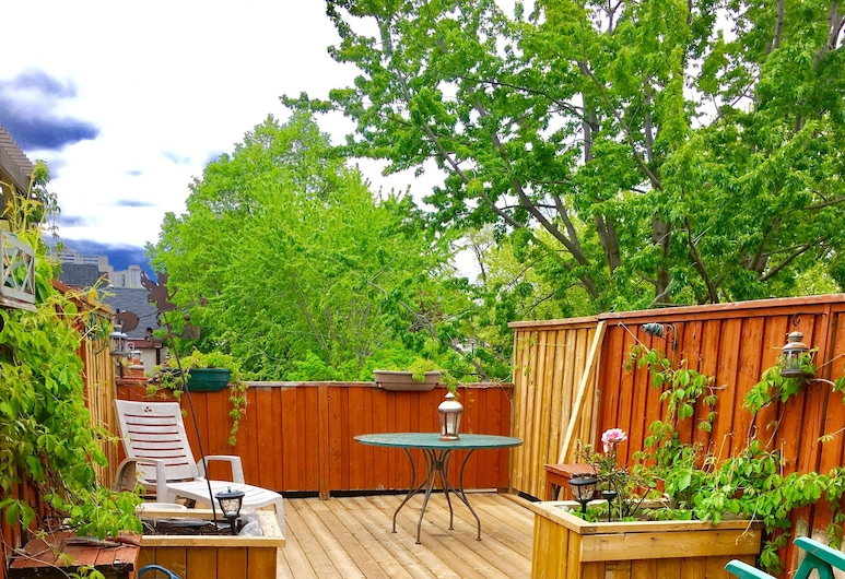 Comfy Guest House, Toronto, Luxury Suite, 1 Queen Bed, Ensuite, Terrace/Patio