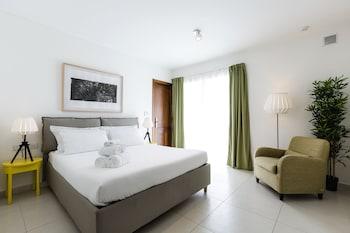 Gambar Two Pillows Boutique Hostel di Sliema