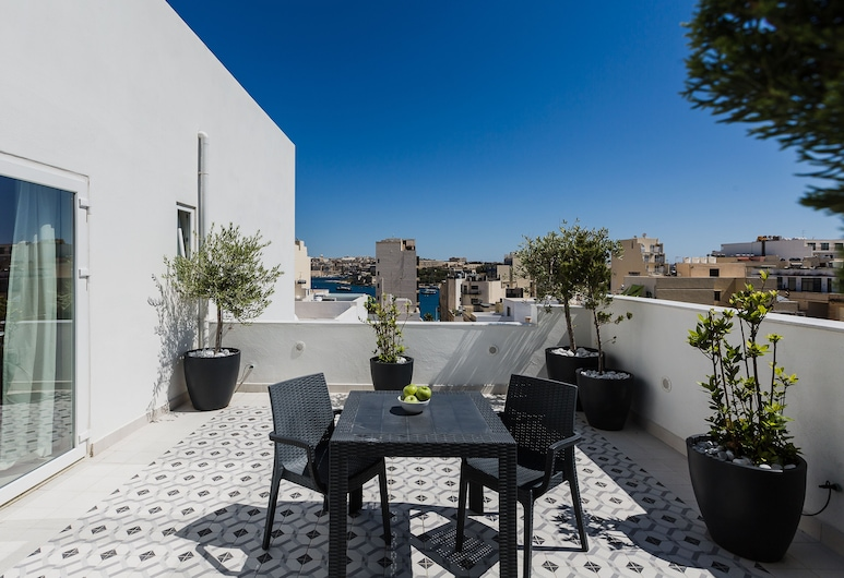 Two Pillows Boutique Hostel, Sliema, Junior Penthouse, Partial Sea View, Teres/Laman Dalam