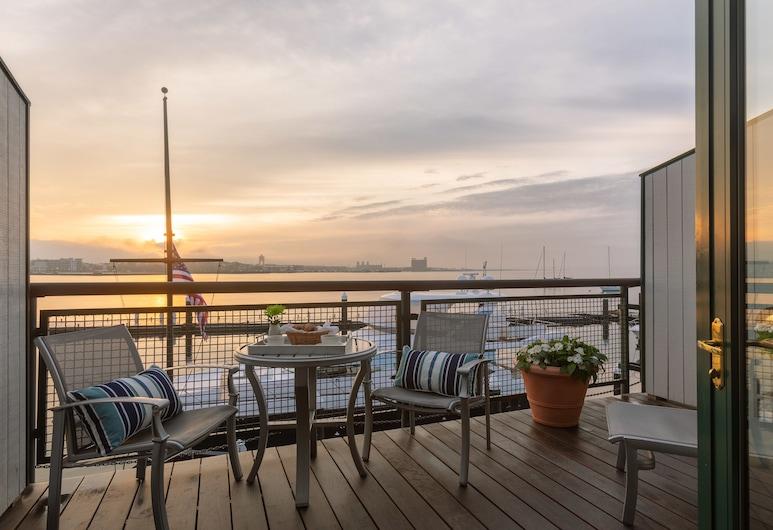 Boston Yacht Haven Inn & Marina, Boston, Superior King with Balcony, Harbor View, Guest Room