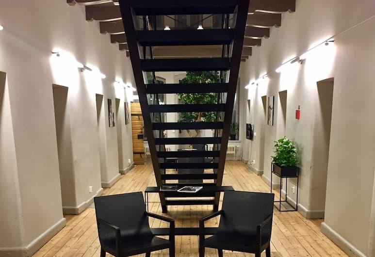 Hotell Gamla Fängelset, Umea, Sitzecke in der Lobby