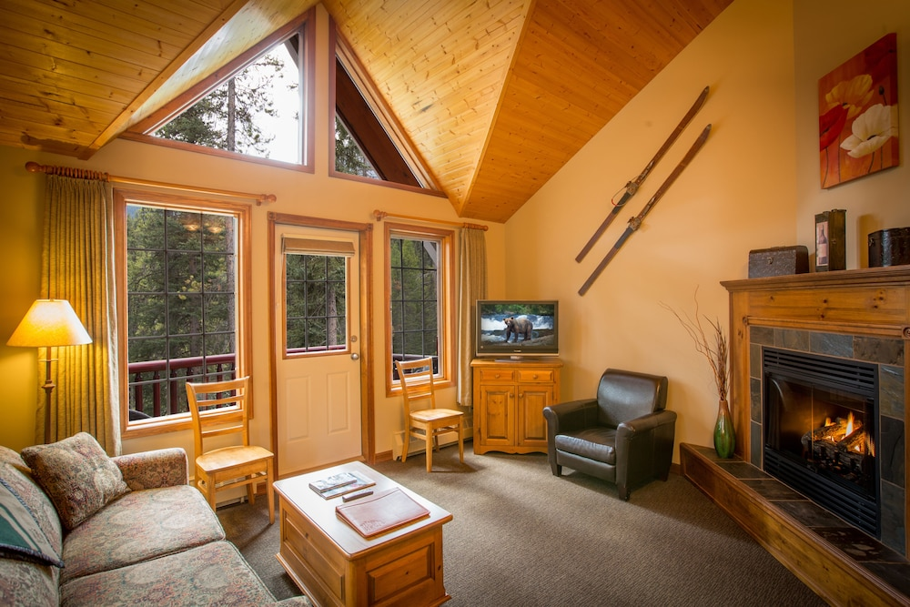 Paradise Lodge & Bungalows, Lake Louise